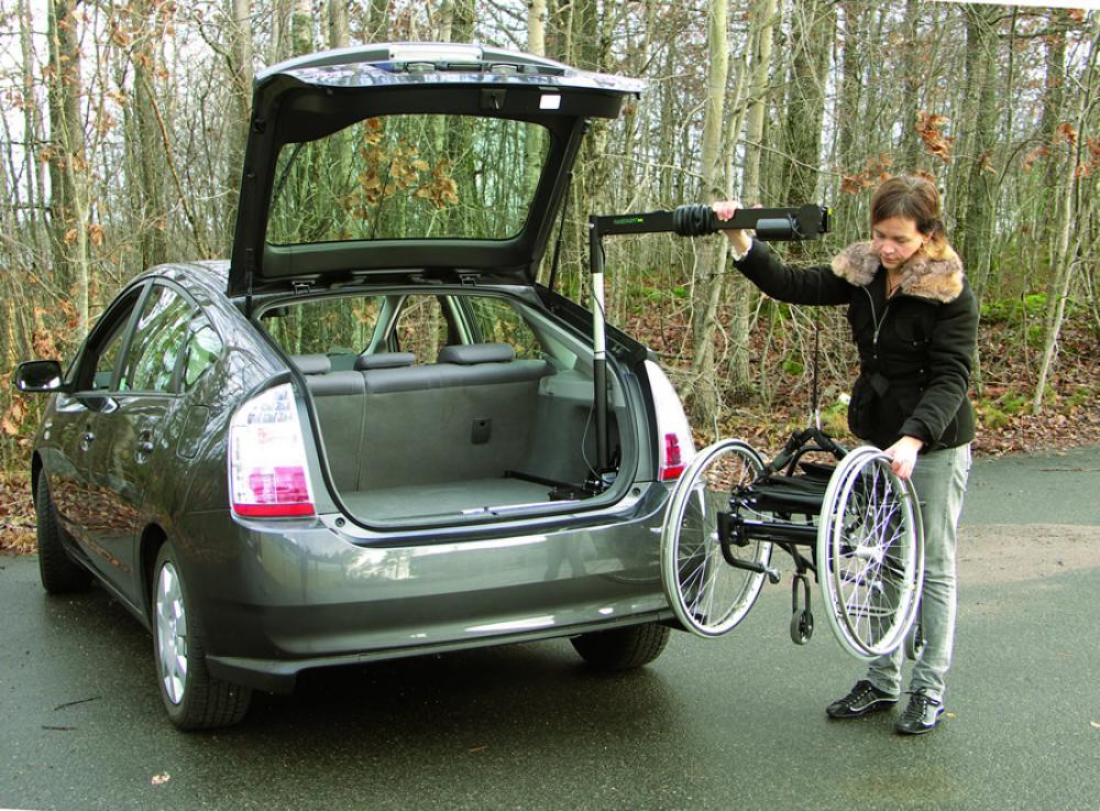 El vateur pour chaise roulante coffre carolift 40 mees for Chaise auto pour bb