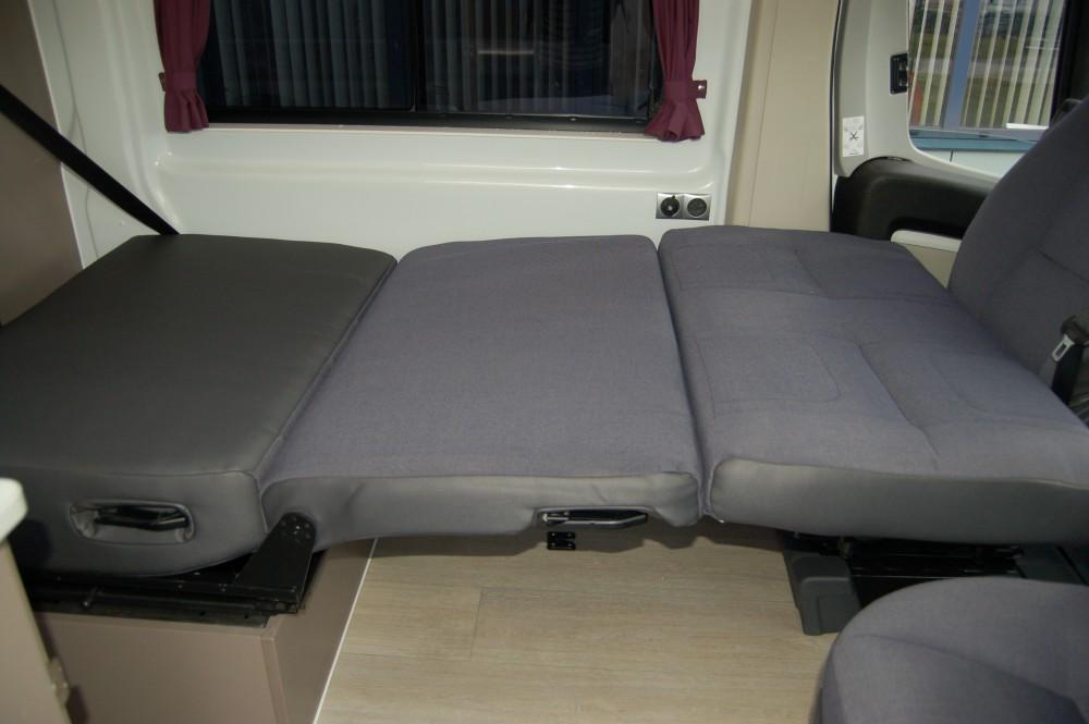 Zit En Slaapbank.Scopema Saturn Zit En Slaapbank Voor Camper Mees Mobility Center